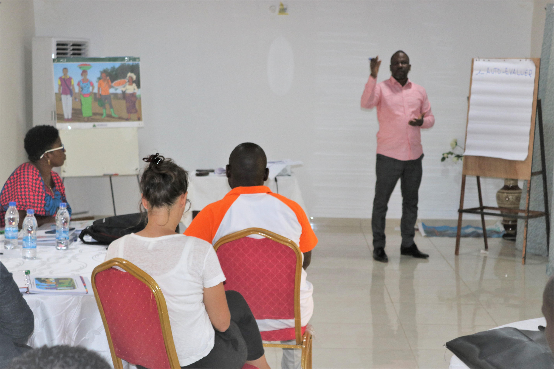 Projet Filets Sociaux Productifs: les agents d'encadrement des bénéficiaires formés aux techniques de formation en matière d'initiation d'AGR et de gestion du budget familial