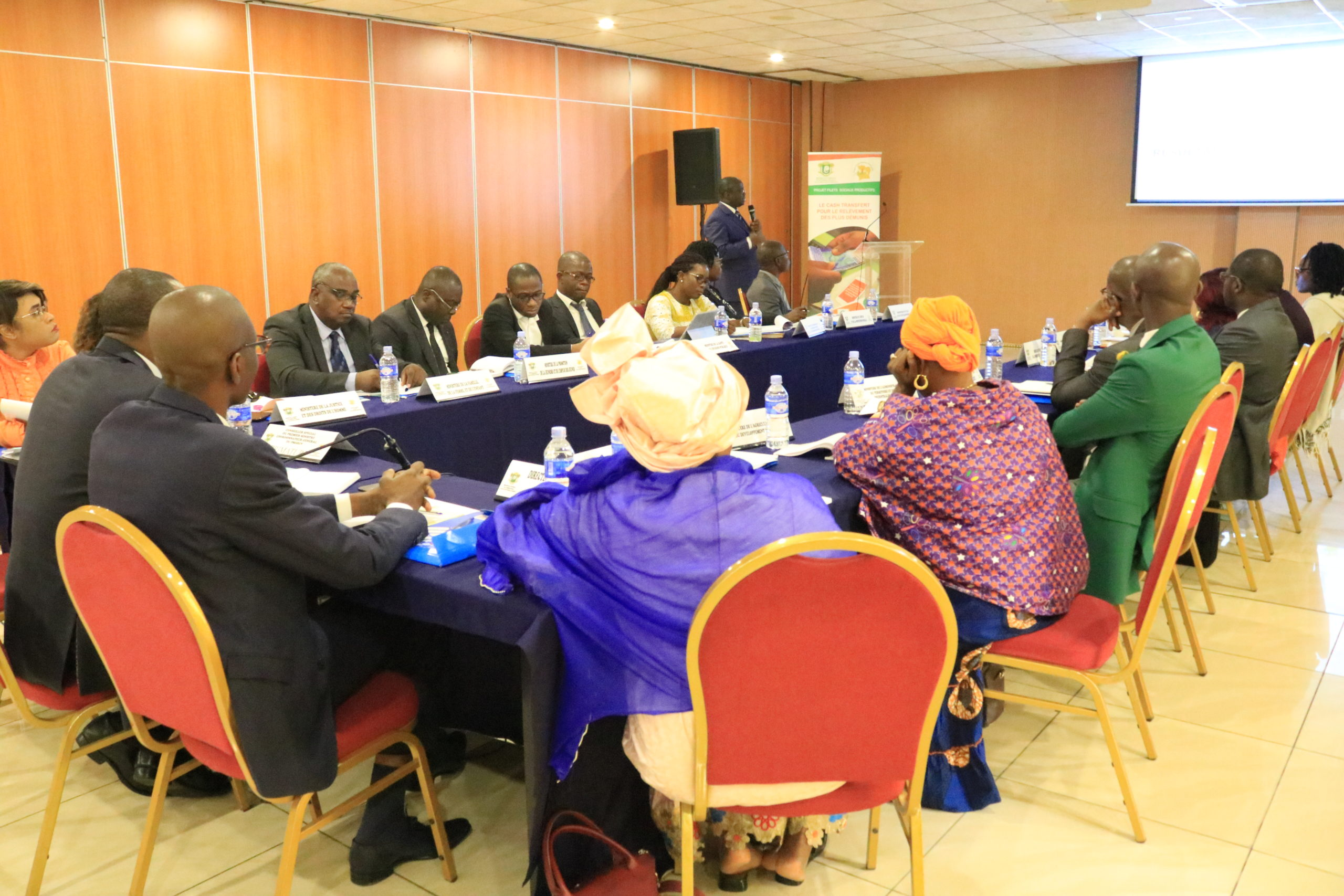 La rencontre bilan 2020 et perspectives 2021 avec le Comité de Pilotage du Programme Filets Sociaux Productifs est prévue pour le Mercredi 25 Novembre 2020 à l'espace Latrille Events 2 plateaux