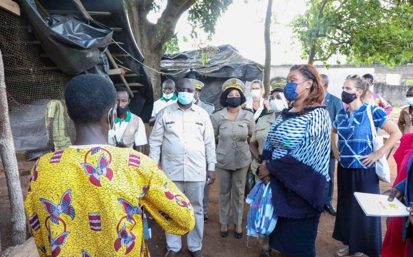Projet Filets Sociaux Productifs : la Ministre de la Solidarité et de la Lutte contre la Pauvreté, le Comité de pilotage du projet et la Banque Mondiale visitent des localités bénéficiaires